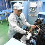 【現代の名工】小室寛二さん(東洋電機製造)鉄道車両用誘導モータコイル製作名人
