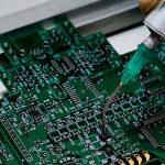 【現代の名工】大塚隆さん(NEC)セラミックス基板と部品製造プロセス技術名人