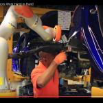 【協働ロボット導入事例】フォード、人とロボットの協調で新しいライン生産の形