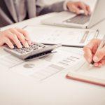 工場運営の管理項目と現金のつながりを見える化する