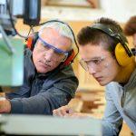 若手技術者を《あるべき姿》に導く技術者指導者層の姿勢