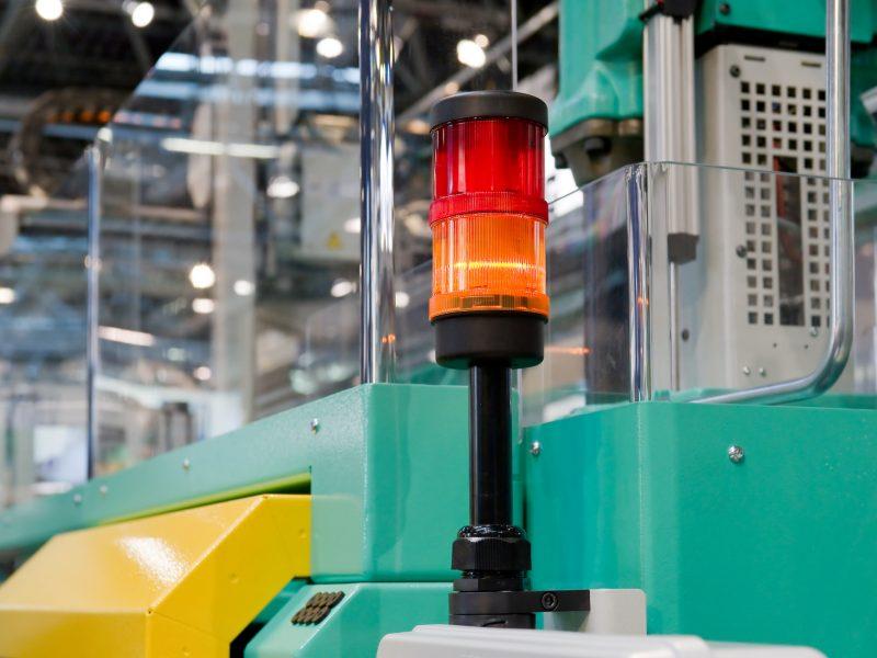 Warnleuchte auf einer Verarbeitungsmaschine Warning light on a processing machine
