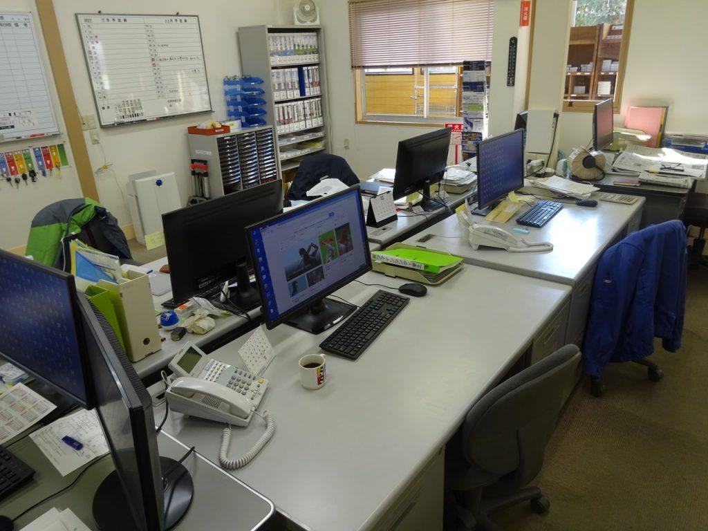事務所のレイアウト変更_02