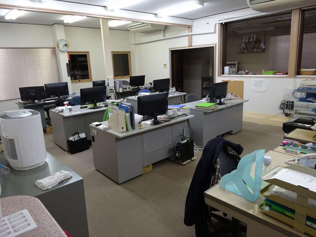 事務所のレイアウト変更_03