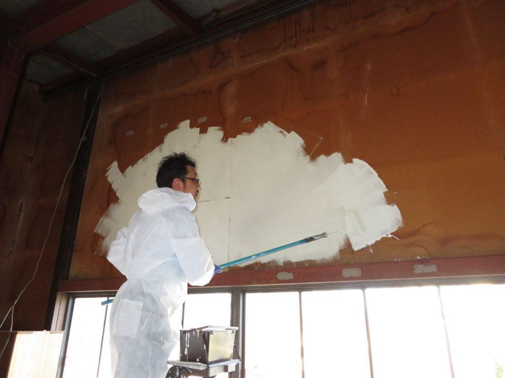 二階倉庫の壁塗装_03