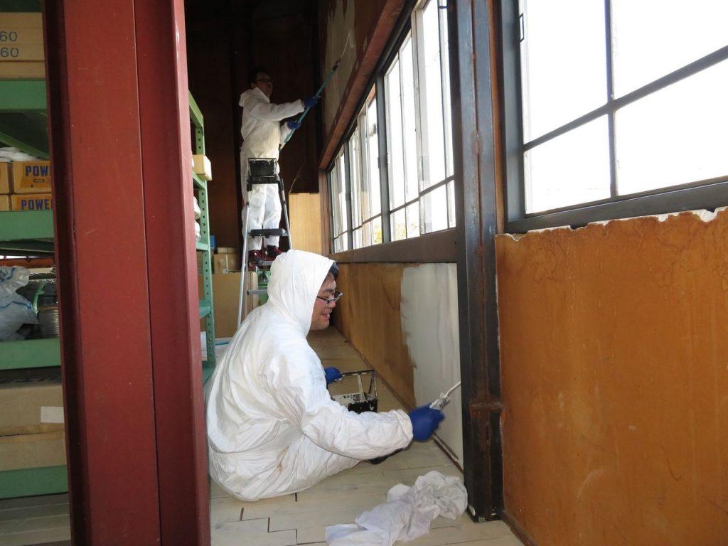 二階倉庫の壁塗装_04
