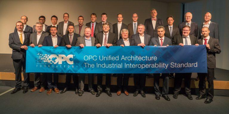 OPCUA_OPC-Gruppenfoto-zugeschnitten-20181127-OPCF-FLC-initial-group-768x383