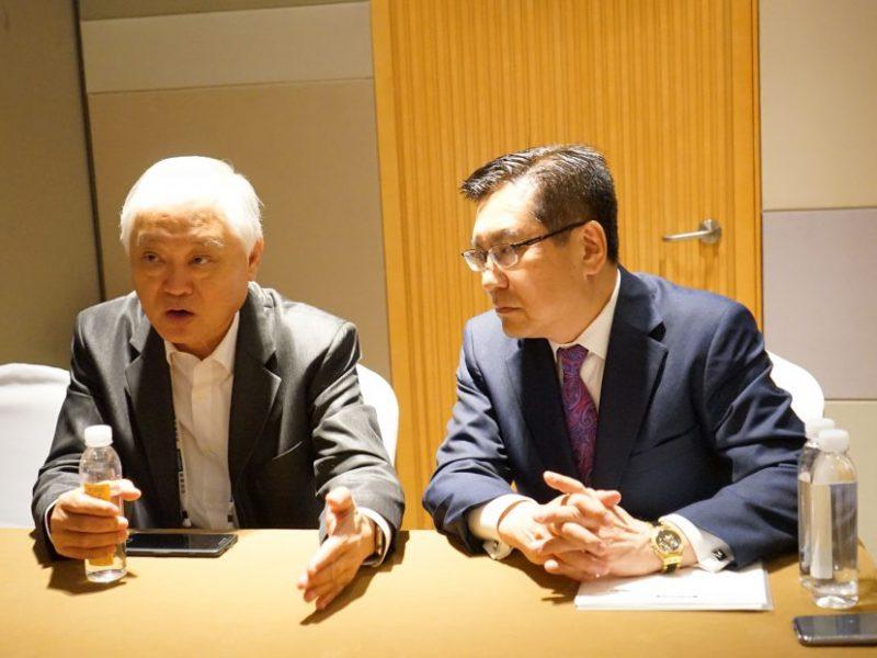 アドバンテック①_マイク小池CEO(右)とホー氏