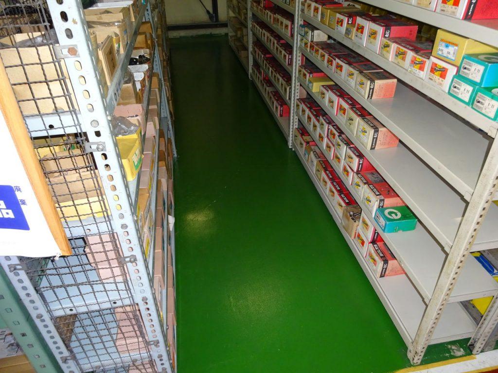 倉庫の床塗装_03