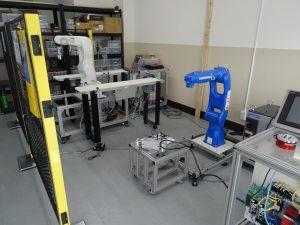 各種ロボットを展示