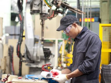 Foreman auditing number in metalworking