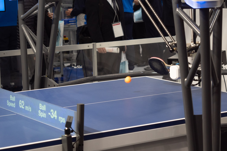 オムロンの卓球ロボット1