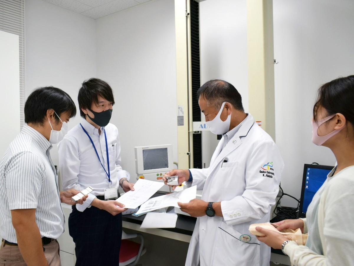 東大阪市役所の辻双九さんが「地方公務員アワード」受賞 医工連携事業で成果