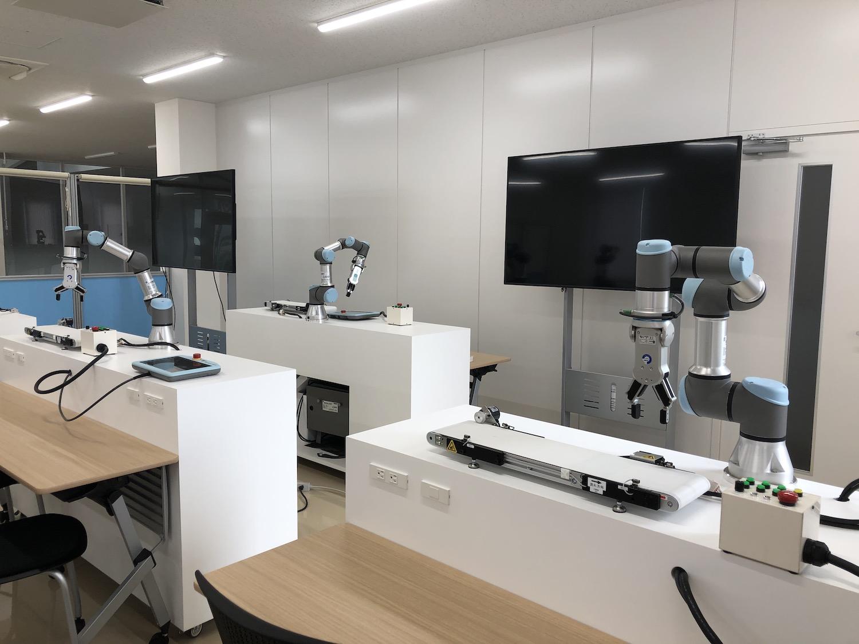 41_ユニバーサルロボット_日本機材トレーニングセンター