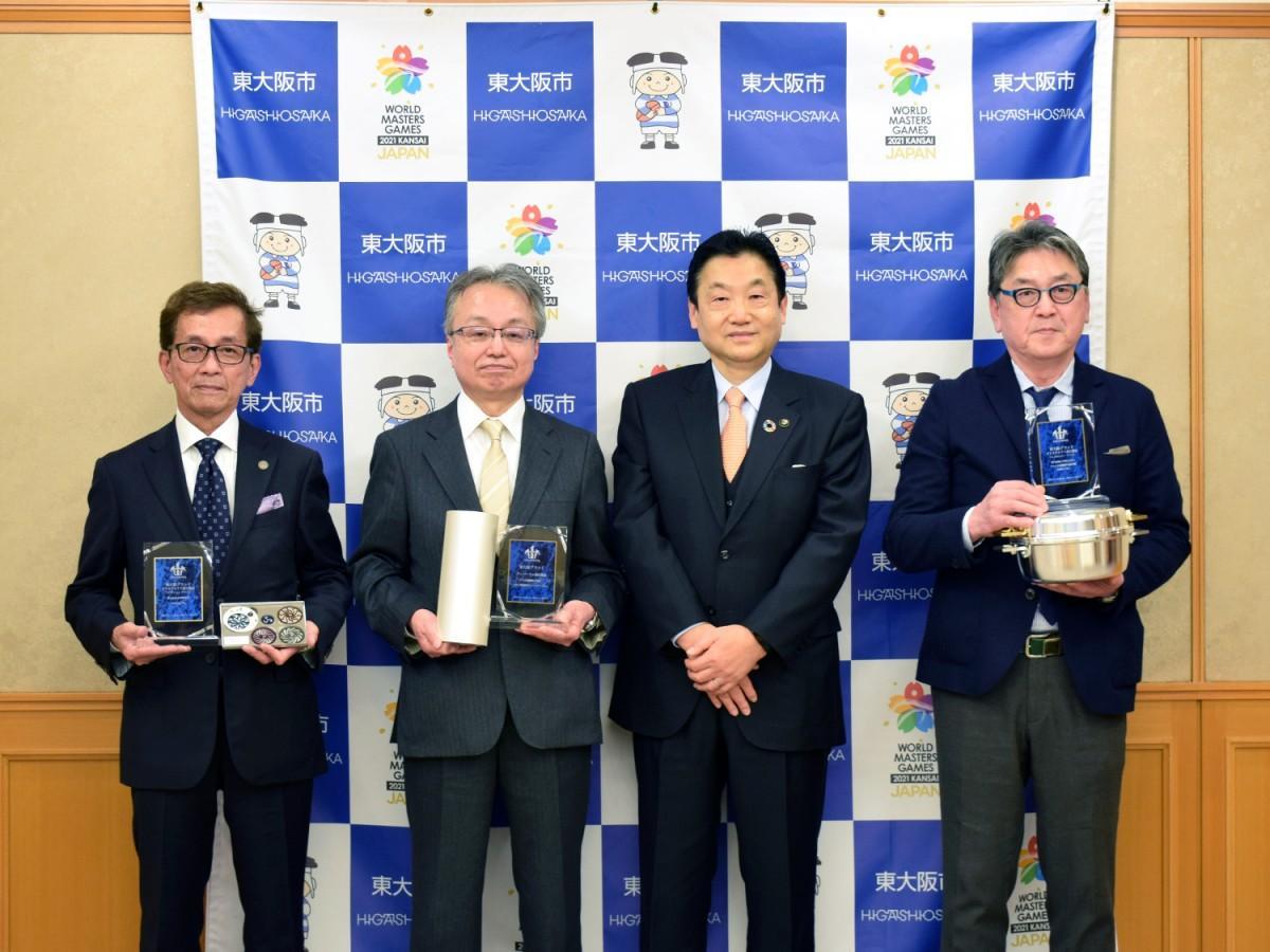 「東大阪ブランド」に新規3社6製品 モバイル機器の誤動作防ぐフィルムなど